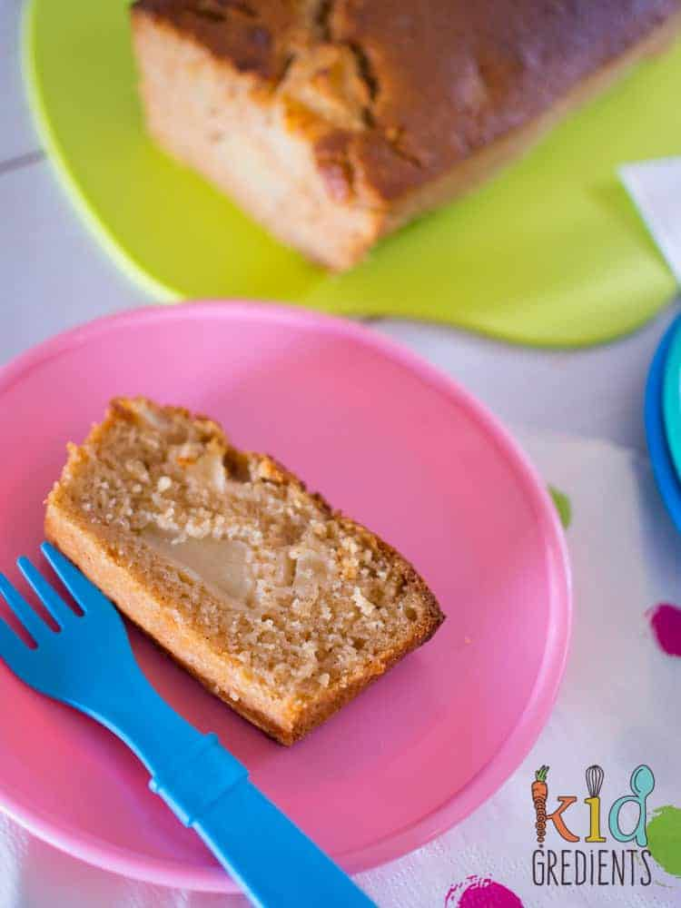 This apple cinnamon loaf is perfect in the lunchbox and goes in the freezer too! Easy to bake recipe that is so yummy!