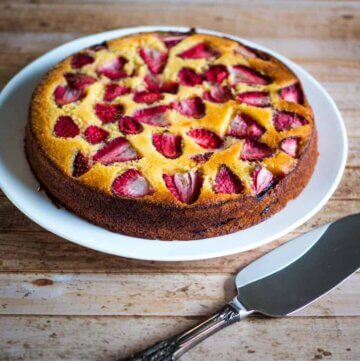 strawberry and lemon polenta cake