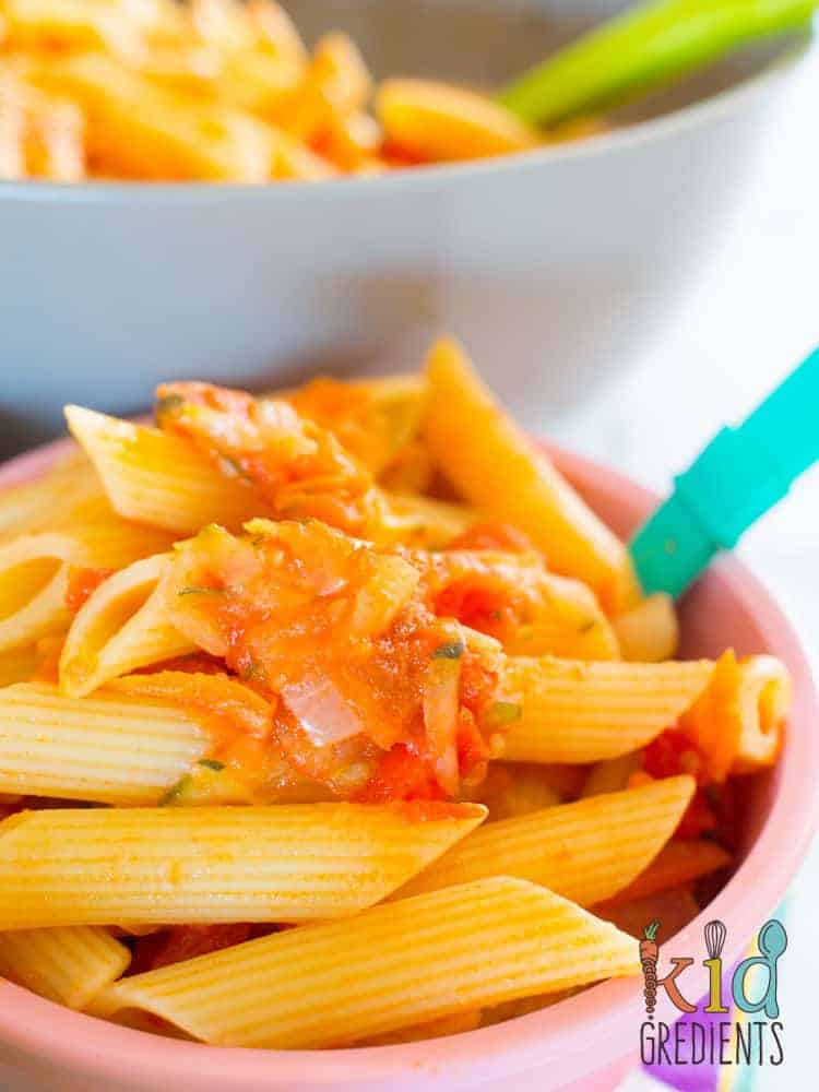 Superhero pasta sauce, the best way to cram your weeknight pasta with a stack of veggies! Easy to make recipe that is super kid friendly and sweet due to the capsicums! #recipe #pastasauce #kidsfood #veggies