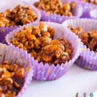 Popcorn choc crackles, a healthier recipe for the party favourite! Yummy, dairy free and the perfect snack. Great in the lunchbox. #kidsfood #healthykidsfood #recipe #partyfood
