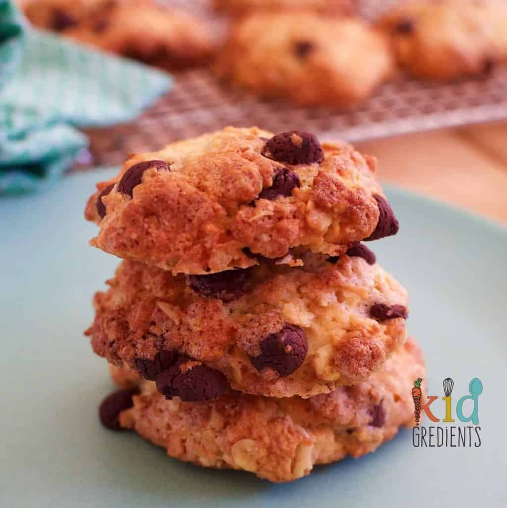 crunchiest ever choc chip oat cookies