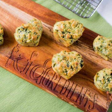 spinach, fetta and pesto muffins