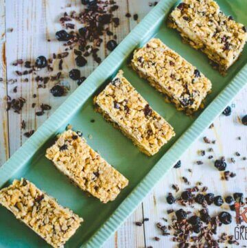 Blueberry and cacao nib no bake muesli bars