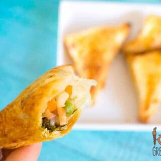 Veggie and rice pasties, delicious for a warm lunch, freezer friendly and kid friendly. Easy recipe and so yummy!