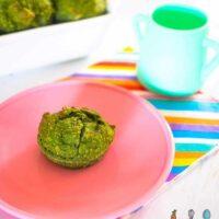 Green muffins with spinach, bananas and date