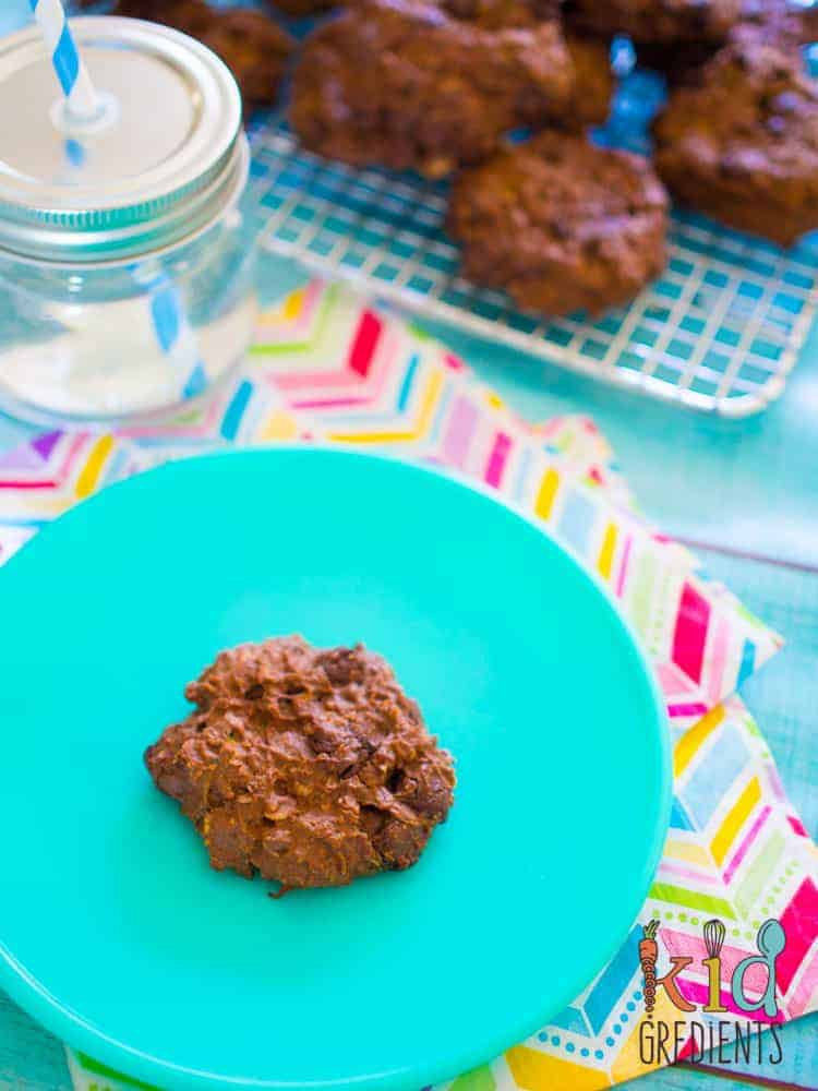 Super low in sugar and packing a veggie punch, these fudgey, yummy cookies are sure to please! Perfect as a snack or in the lunchbox they are good for you! #kidsfood #snack #familyfoods #cookies #veggiesmuggling #lunchbox