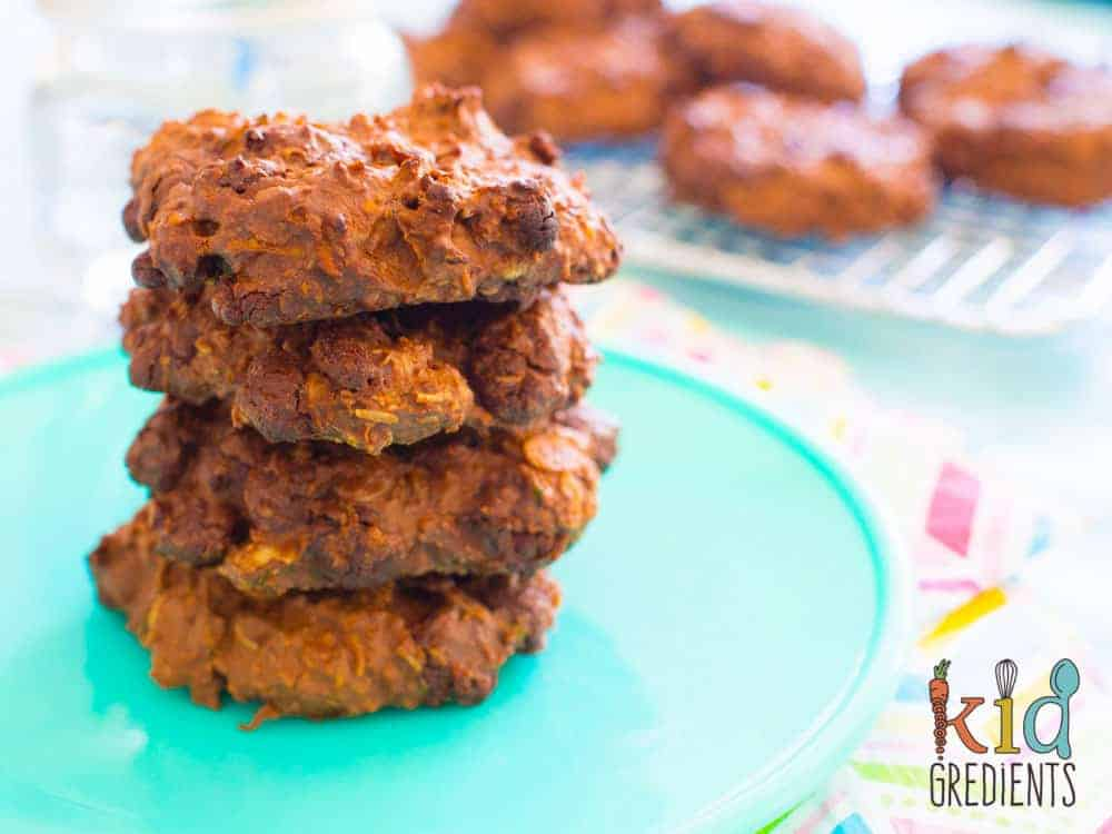 Super low in sugar and packing a veggie punch, these fudgey, yummy cookies are sure to please! Perfect as a snack or in the lunchbox they are good for you! #kidsfood #snack #familyfoods #cookies #veggiesmuggling