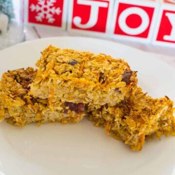 Carrot oat bars – reindeer treats, dairy and refined sugar free