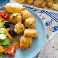 Crunchy, herby salmon panko bites