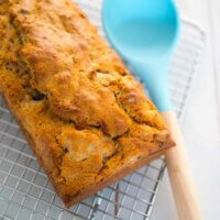 Pear and date loaf
