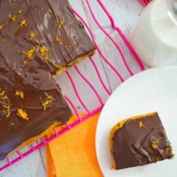 iced jaffa cake with orange and chocolate, with chocolate icing