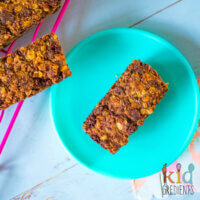 Baked chocolate chip crunch bars