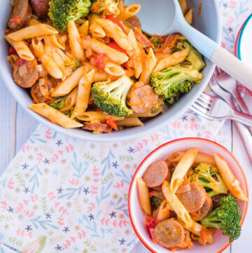 one pot sausage and veggie pasta