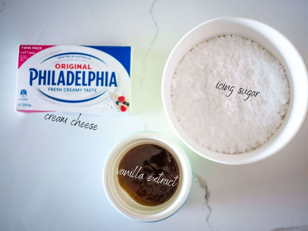 icing ingredients: cream cheese, vanilla extra and icing sugar